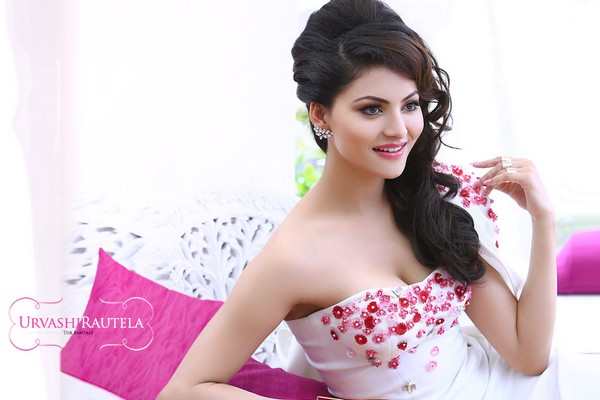 Urvashi Rautela Hot Bollywood Actresses 2018