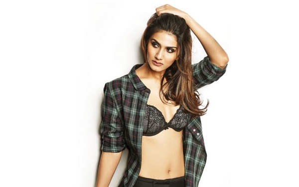 Vaani Kapoor Hot Bollywood Actresses 2018
