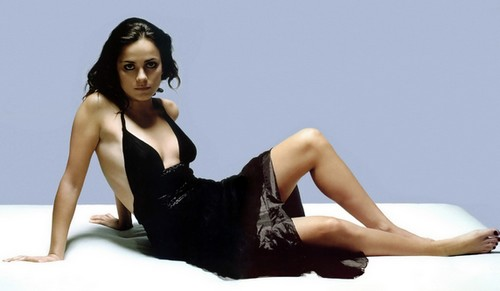 Alice Braga Hottest Brazilian Actress