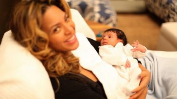 Beyoncé with new kid