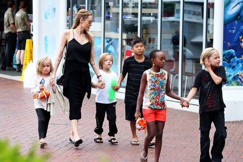 Single Mom Angelina Jolie with Kids