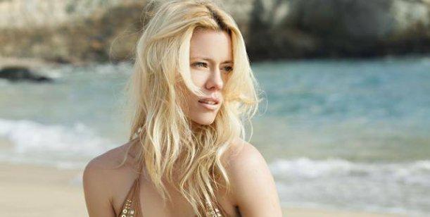 Beautiful Argentinian Model Nicole Neumann