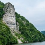 20 most enormous monuments and statues around the world
