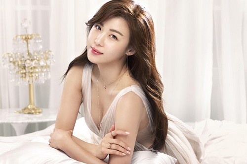 Most Beautiful Korean Actresses - Top 15 Beautiful Korean Women