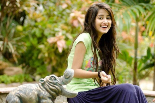 Sajal Ali Hot Pakistani Girl