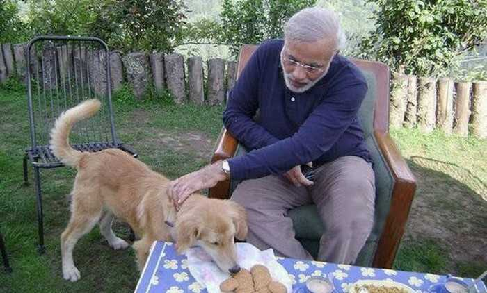 Narendra Modi with pet dog