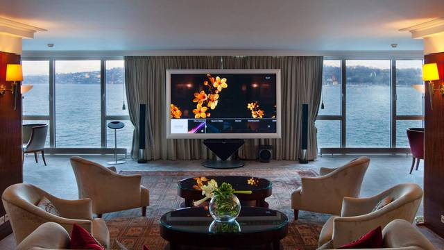 Royal Penthouse Suite, Hotel President Wilson in Geneva