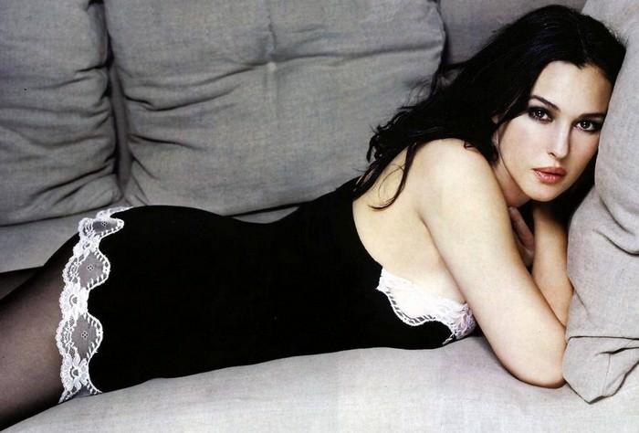 Sexy Monica Bellucci HD Wallpaper