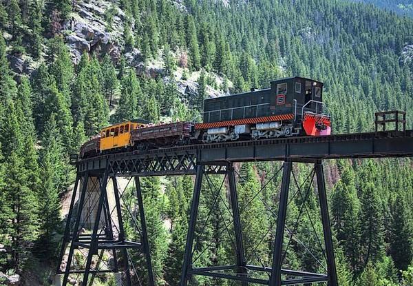 10 most dangerous train routes