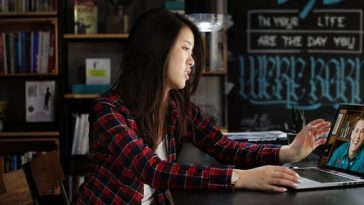 Ways to perfect your English skills today with the help of an online tutor