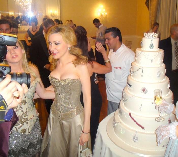 Devorah Rose Diamond Gala Cake - $30 million