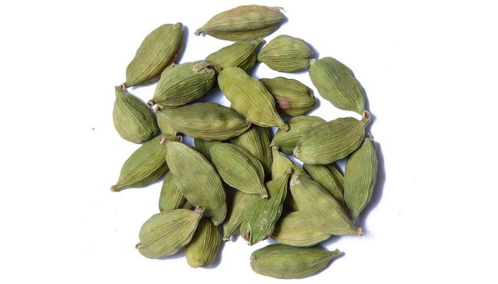 large square Green Cardamom
