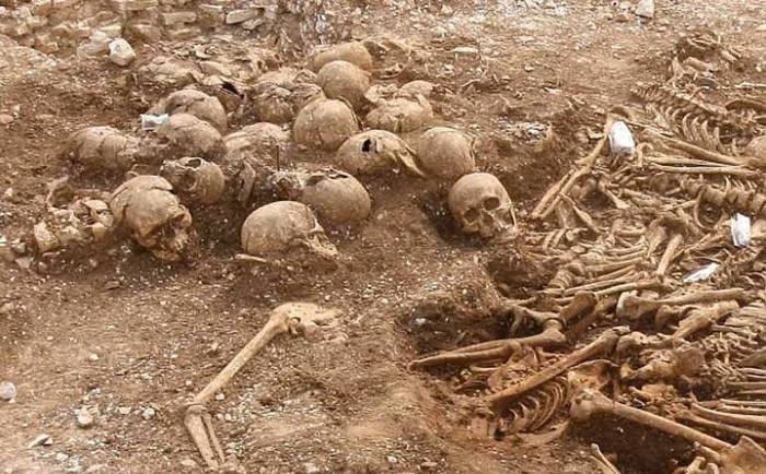 The Mass Grave of the Headless Vikings