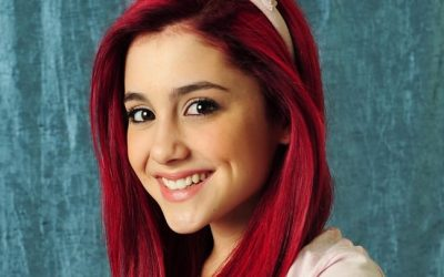 Ariana Grande Hair Style and Smile