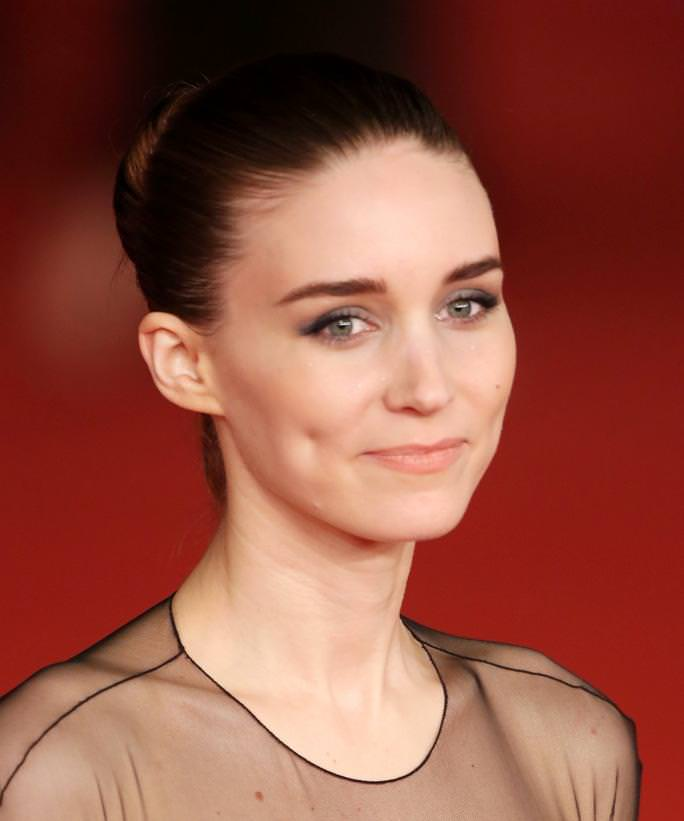 Rooney Mara Best Educated Hollywood Actresses