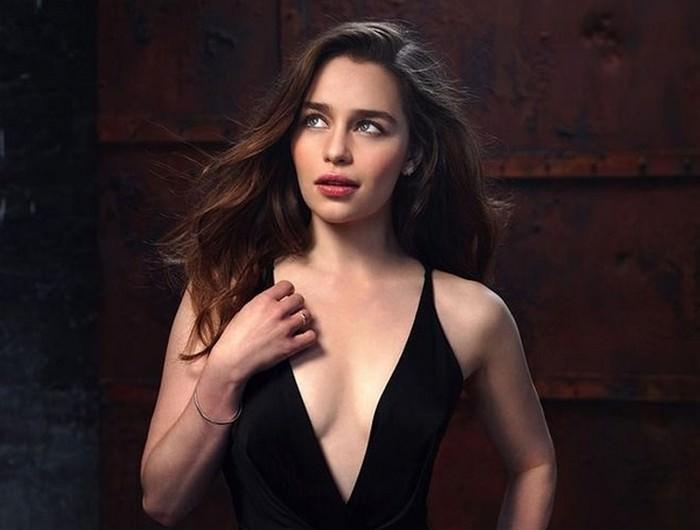 Emilia Clarke hottest actress 2020