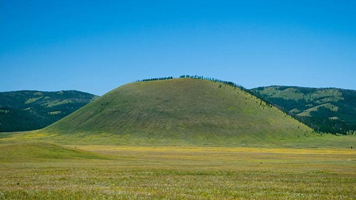 Uran Togoo Uul of Bulgan Province