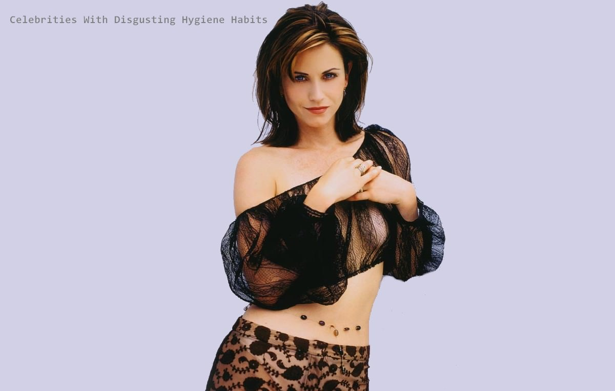 Courtney Cox Celebrities With Disgusting Habits